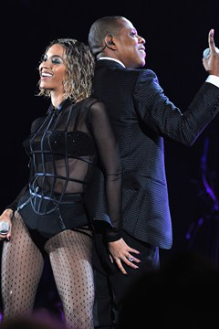 The Buzz.. Jay and Bey making history again?!